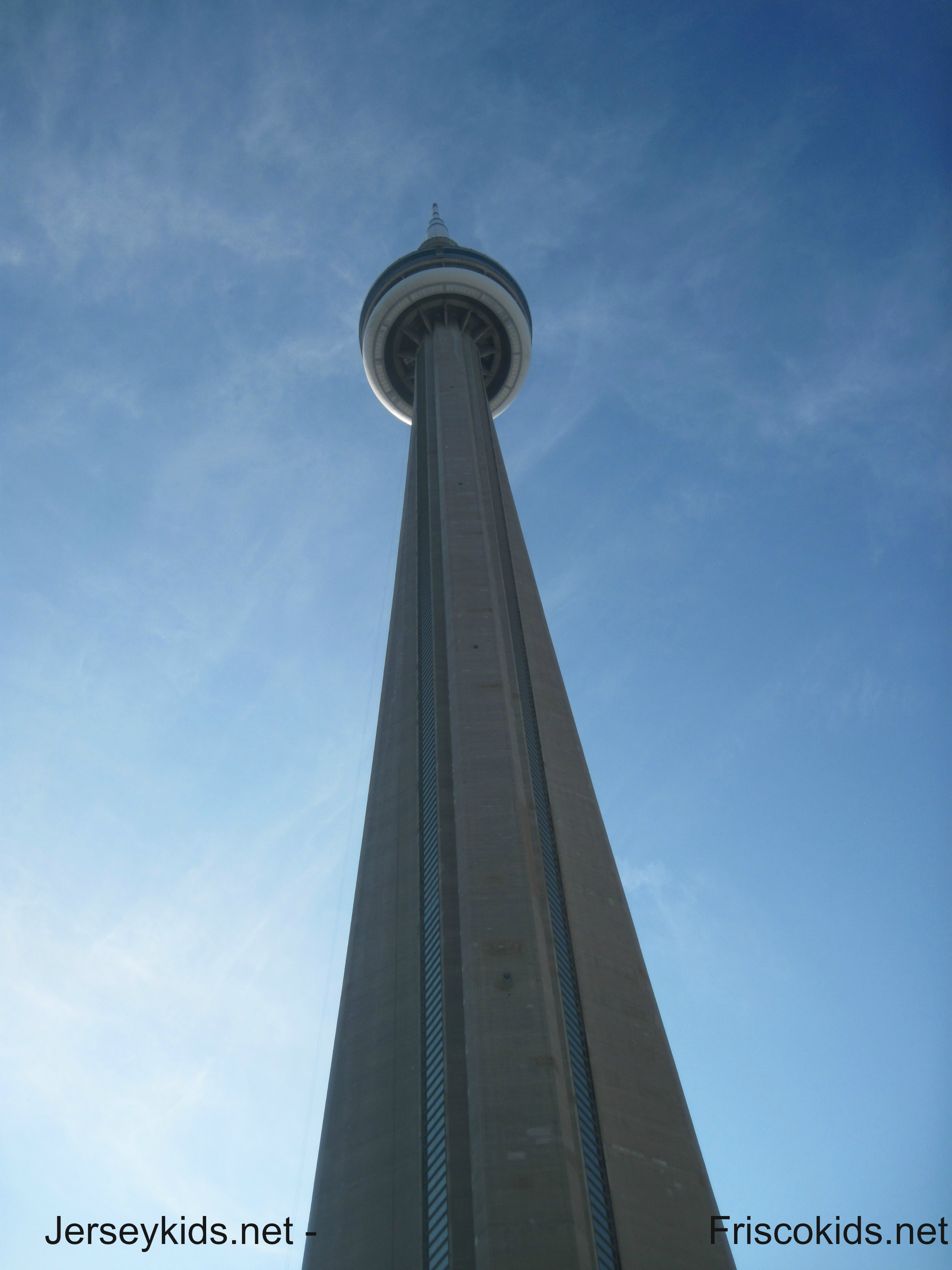 cn tower essay The cn tower is located in downtown toronto why is the cn tower famous essays answer it.