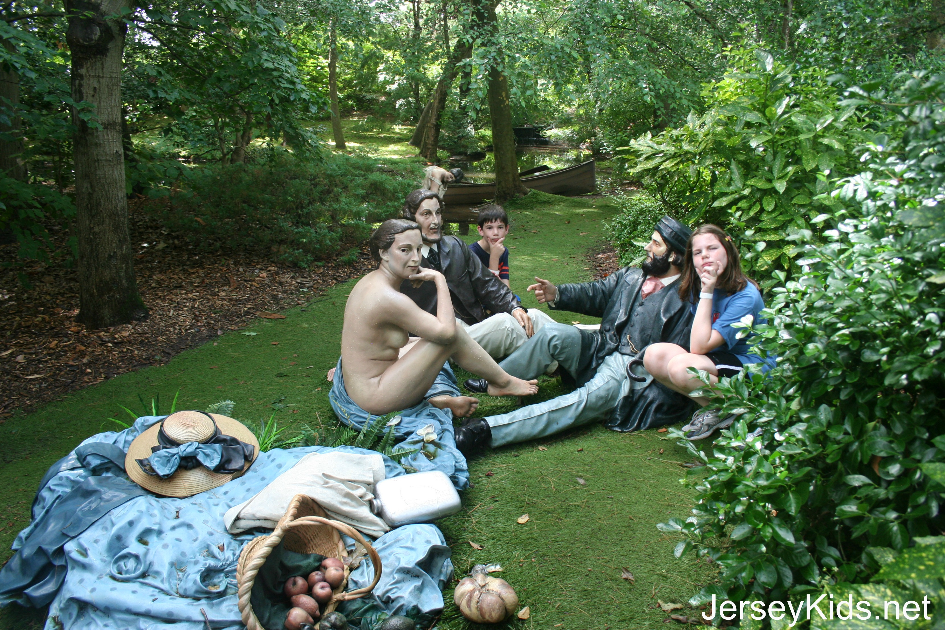 edouard manet luncheon on the grass essay