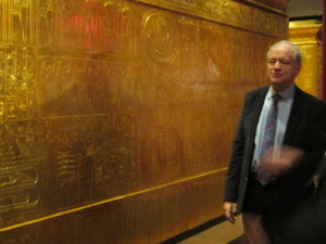 Dr. David Silverman shows the heiroglyphs and how to read them on the 2nd largest funeral box. Copyright Deborah Abrams Kaplan